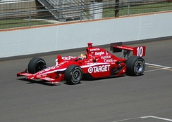 Wheldon practicing for the 2007 Indianapolis 500