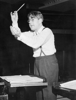 Donald Voorhees conducting The Bell Telephone Hour on NBC Radio