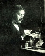 Theodore William Richards, first American to receive the Nobel Prize in Chemistry