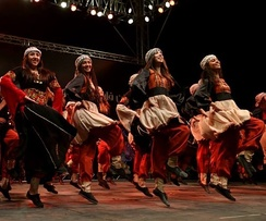 Palestinian girls dancing traditional Dabke