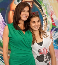 Hatcher and her daughter at the World of Color premiere, 2010