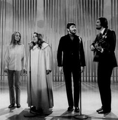 The Mamas & the Papas were one of the most prominent American Folk-rock artists of the decade
