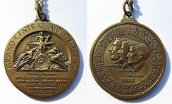 Medals commemorating the Grand Central Art Galleries' foundation