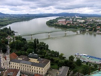 At Esztergom and Štúrovo, the Danube separates Hungary from Slovakia