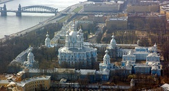Elizabeth commissioned her court architect Rastrelli to build the Smolny Convent on the bank of the Neva River.