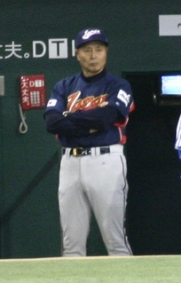 Sadaharu Oh managing the Japan national team in the 2006 World Baseball Classic. Playing for the Central League's Yomiuri Giants (1959–80), Oh set the professional world record for home runs.