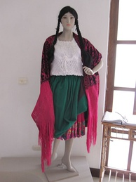 Typical dress of a chola cuencana