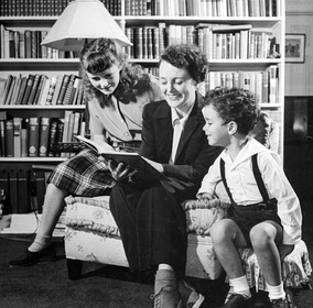 Astor with her daughter, Marylyn Thorpe, and her son, Anthony del Campo (1944)