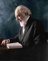 Чарльз Тейз Расселл (1852—1916), 1-й Президент Общества Сторожевой башни. Фотография 1911 года.