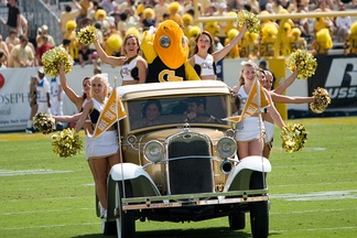 The Ramblin' Wreck with cheerleaders and Buzz at a football game against Samford in 2007.