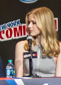 Jessica Jones 2015 NYCC panel 2 - Erin Moriarty (edited).jpg