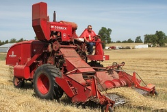 IH McCormick 141 self-propelled Harvester-Thresher ca. 1954–57, shown in thresher mode, with harvester dismounted.