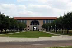 Texas A&M International University Library