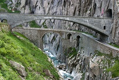 Teufelsbrücke (Devil's Bridge) on the route to the Gotthard Pass; the currently used bridge from 1958 over the first drivable bridge from 1830