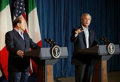 Berlusconi with President George W. Bush, in Texas, 2005