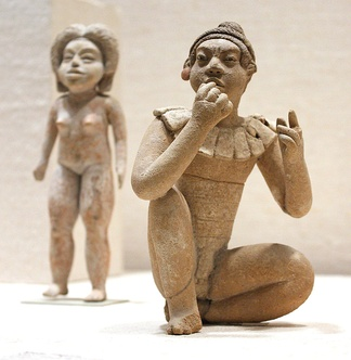 Two Formative Period Xochipala figurines, 13th - 10th century BCE (?)