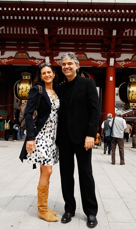 Bocelli with his then fiancée Veronica Berti in Tokyo, Japan, during his 2008 Asian Tour.