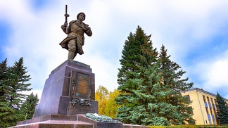 Памятник Александру Матросову в г. Великие Луки