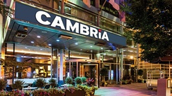 Cambria Chicago Magnificent Mile exterior