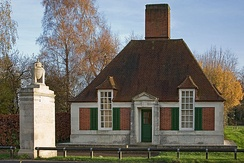 Lutyens designed memorial lodge and pier