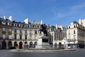 The Place des Victoires; built to celebrate French victory in 1678