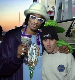 Snoop Dogg (left) with Maynard James Keenan in 2001