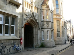 The entrance to the Cavendish Laboratory on the New Museums Site