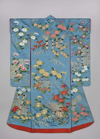 Outer kimono for a young woman (uchikake), 1840–1870, Khalili Collection of Kimono