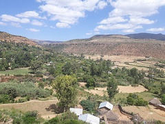 Rubaksa in a dry limestone environment in north Ethiopia is an oasis thanks to the existence of karstic springs