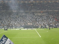 Tottenham Hotspur celebrate winning the Football League Cup against Chelsea in 2008