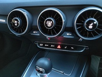 TT temperature and airflow controls embedded in the air-vents