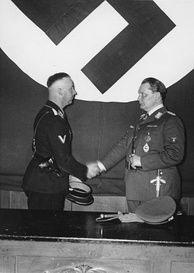 Heinrich Himmler and Hermann Göring at the meeting to formally hand over control of the Gestapo (Berlin, 1934).
