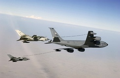 USAF KC-135 using Mk32B hose-drogue pods refueling a pair of British Tornado GR4s over Iraq in 2003. The wing pods allow for use of the centerline refueling boom.