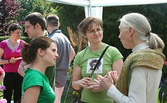 Jane Goodall in 2009 with Hungarian Roots & Shoots group members.