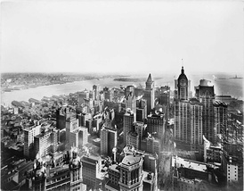 1913 view of Lower Manhattan from the Woolworth Building