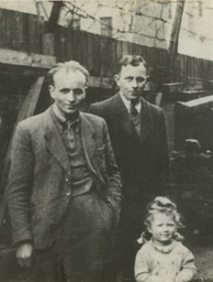 Alojzy Plewa (left), his brother Feliks, and Ruth Schwarz rescued from the Sambor Ghetto, 1942