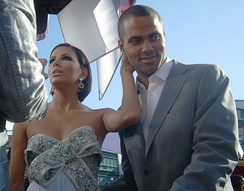 Parker with Eva Longoria at the 2008 Emmy Awards