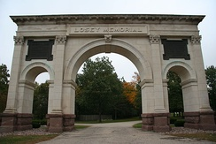 Losey Memorial Arch (1901) was erected by the city of La Crosse, Wisconsin, in tribute to Losey's grandfather, a prominent attorney and civic leader[1]