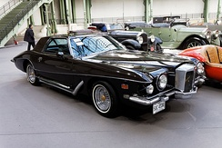 Stutz Blackhawk (1971–1987) personal luxury car