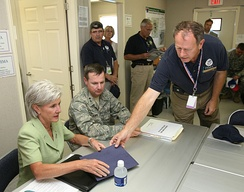 Sebelius meets with FEMA workers in Kansas