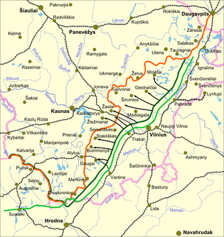 Map of demarcation lines of June 18 (light green) and July 26 (dark green) between Poland and Lithuania. Poland ignored both lines[12] and continued to advance up to the orange line. Railroads are marked by black stitched lines.