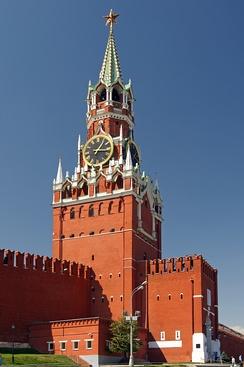 Спасская башня Московского кремля. В XV—XVI веках в России работало много итальянских архитекторов, в том числе на важнейших объектах