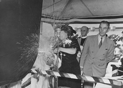 Mrs. Grizelda Houston Hull Hobson, widow of Rear Admiral Richmond P. Hobson, christens USS Hobson.