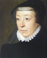 "Catherine de' Medici, by François Clouet. As a widow, Catherine wore a widow's cap or a French hood. At the back of her ruff stood a high black collar; and she wore a wide black shirt, pointed bodice, and enormous winged sleeves. ""Over all this flowed a long black mantle.""[135]"
