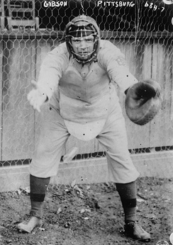 Gibson in his catcher's gear, with the Pittsburgh Pirates in 1908.