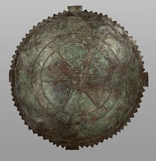 Bronze shield in the name of King Pharnakes: ΦΑΡΝΑΚΟΥ ΒΑΣΙΛΕΩΣ, Getty Villa (80.AC.60)