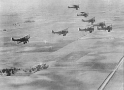 Formation of DH-4 day bombers