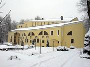 Зима на церковном дворе