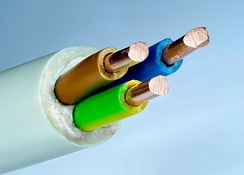 Flexible mains cable with three 2.5 mm2 solid copper conductors