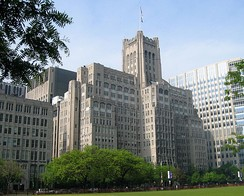 The Montgomery Ward Memorial Building (1927) at Northwestern's Feinberg School of Medicine in Chicago, America's first academic skyscraper[49]